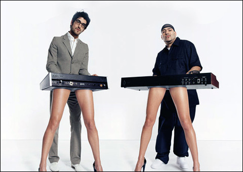 1009_chromeo_main