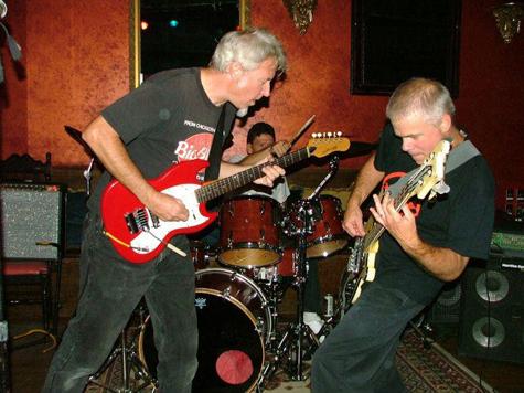 vert-twin-band-live_main