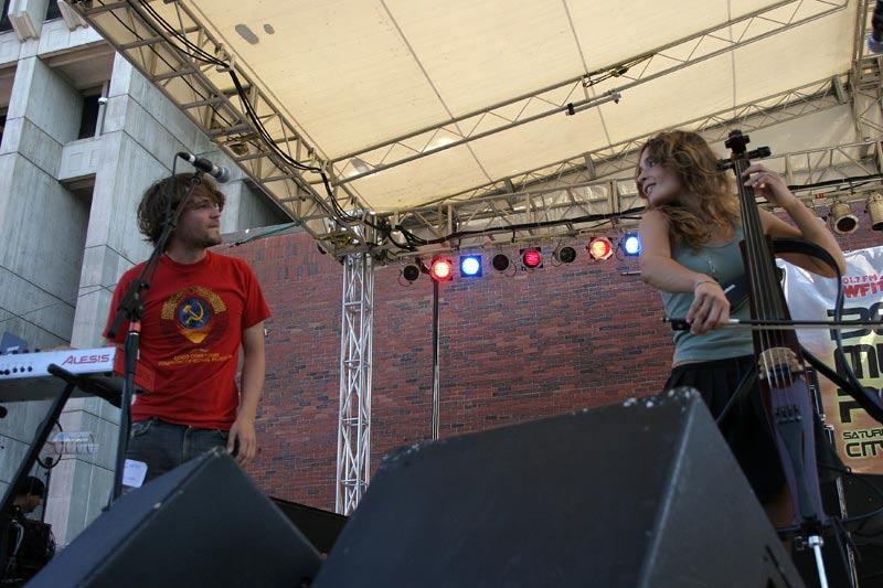 RaRaRiot-onstage